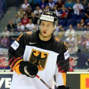 Eishockey-Nationalspieler Kahun übertrifft das Spendenziel seiner Hilfsaktion