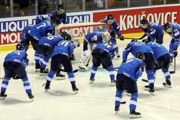 Finnisches Team vor einem Spiel - © by EH-Mag. (DR)
