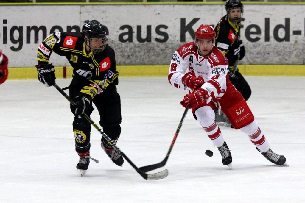 Leon Braun und Malte Hodi im Kampf um den Puck - © by Eh.-Mag. (DR)