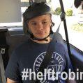 #helftrobin – Spenden sollen am Mowat-Willson-Syndrom leidenden Robin eine Delphintherapie ermöglichen