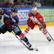 Eispiraten geben Verteidigertalent von den Saale Bulls Halle eine Chance in der DEL2