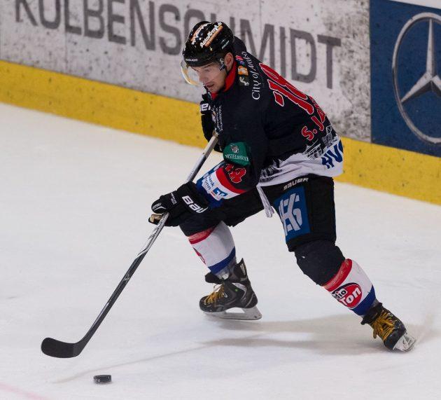 Auch Sergej Janzen bleibt dem Deggendorfer SC erhalten