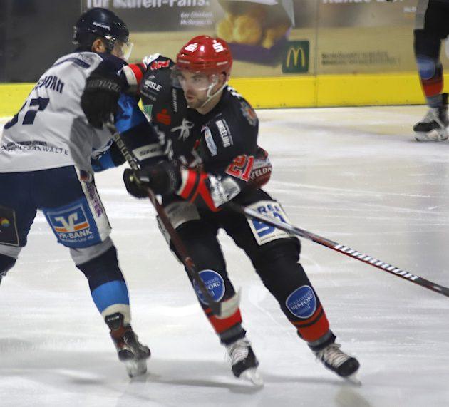 Nils Bohle stürmt weiterhin für Herford