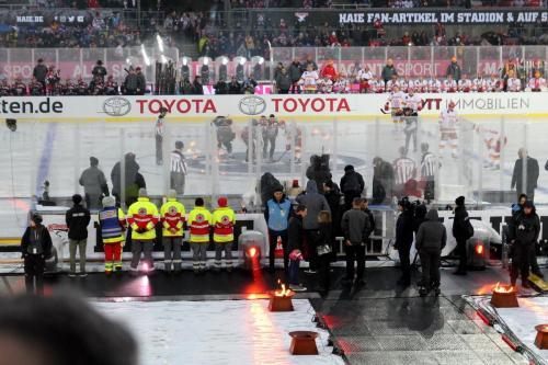 DEL Wintergame 2019 - Eröffnungsbully Lukas Podolski