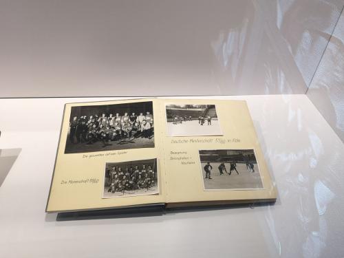 Album zur Meisterschaft 59-60 - © by Eh.-Mag. (MK)