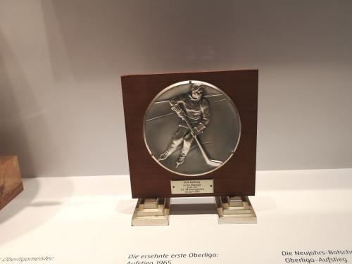Medaille zum Oberligaaufstieg - © by Eh.-Mag. (MK)